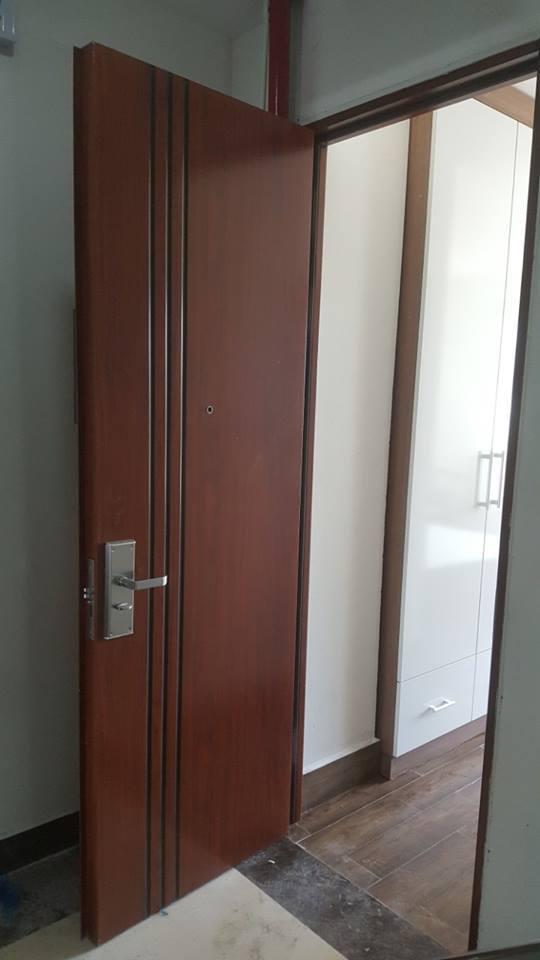 cửa thép vân gỗ giá rẻ (15).